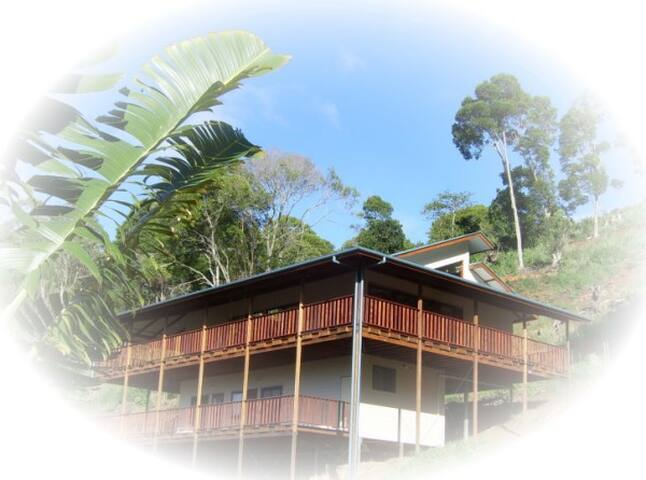 Yoga Gurukul Retreat, Room A - Reserve Creek - Dormitorio compartido