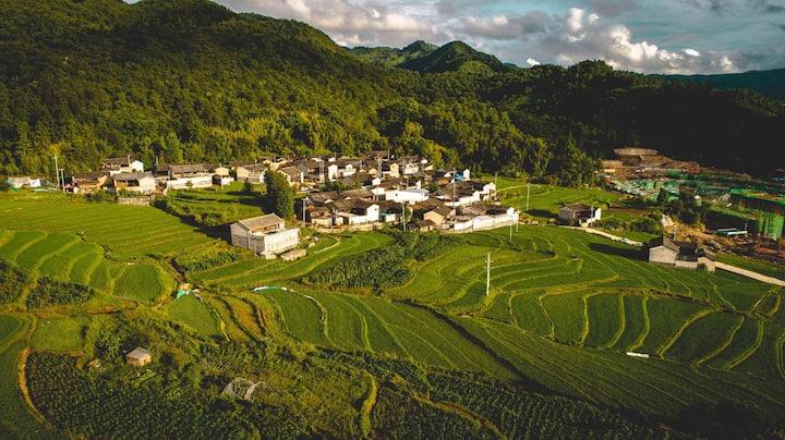 玛御谷温泉小镇 ✨ 温泉入户 私人泡池  302 优质房源 高端风景位 背靠稻田 面对群山