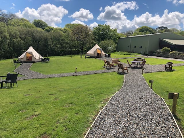 Hustyns Glamping Village + Spa Included (tent 4)