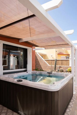 Casa Laila with Jacuzzi and big private terrace