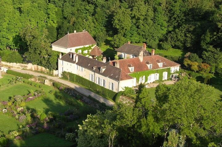 gîte du manoir de Val en Sel près Vézelay