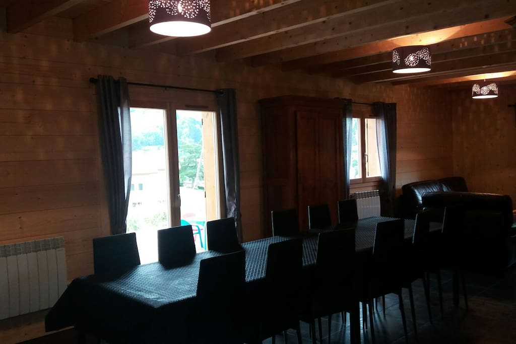 Spacieuse salle à manger