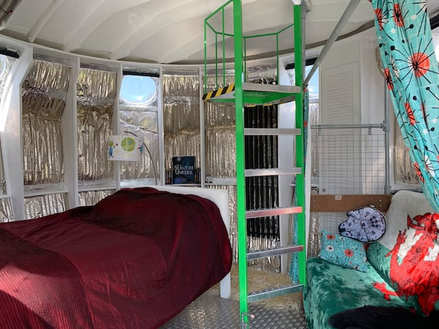 New fixed double bed and mattress with merino wool mattress topper, thick duvet and wool pillows, with the best view over fields, pine trees, stars and moon... rugs provided to keep you warm and toasty (both on floor and bed!)