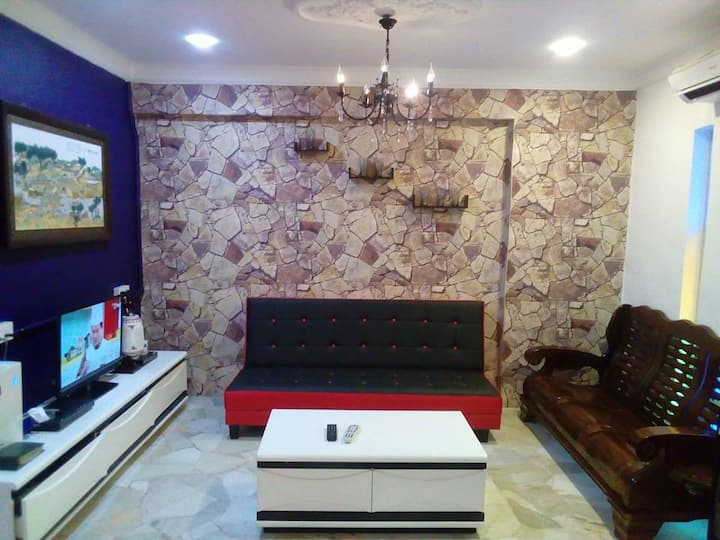 Fastbook Majestic Home 1 (1 Month Rent)