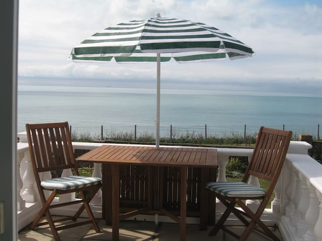 The Promenade, sea and sun! - Peacehaven - Dom