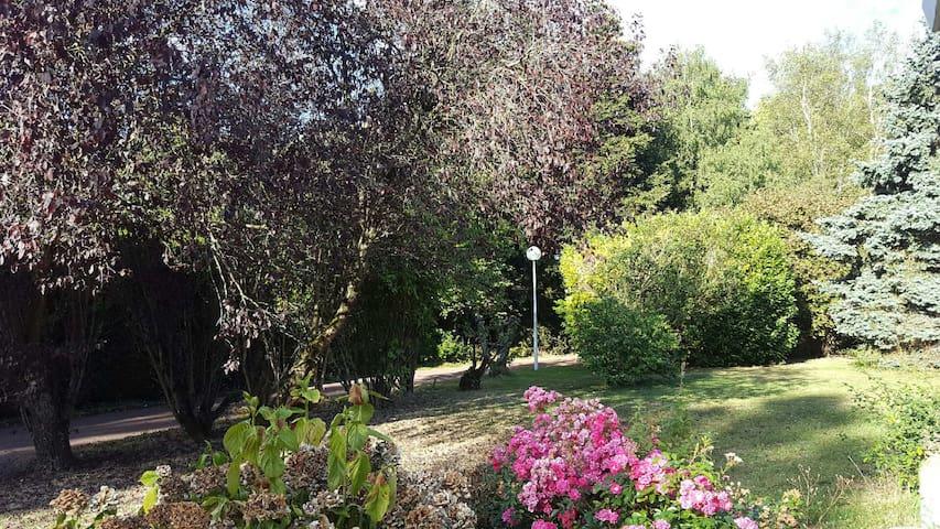 villa l'escale - Champeaux - Penzion (B&B)