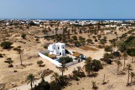 Magnifique villa avec piscine à Djerba