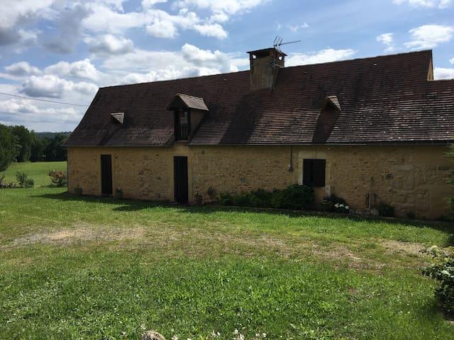 Maison de campagne au coeur du perigord noir - Belvès - Hus