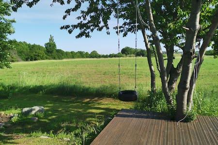 Hus i første række til økologisk mark - tæt på KBH