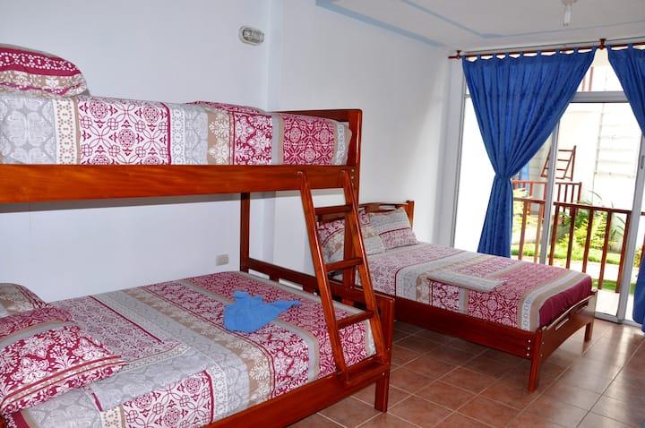 Habitacion comoda en excelente hotel frente al mar