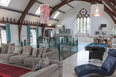 Cairns House - Stunning Church Conversion