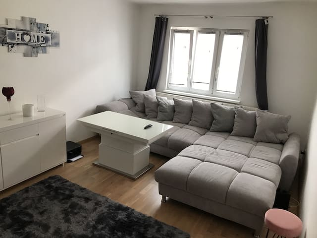 Lovely flat close to the airport