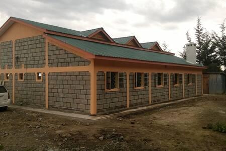 10 Pax Bungalow in rural Nyandarua, Kenya to let
