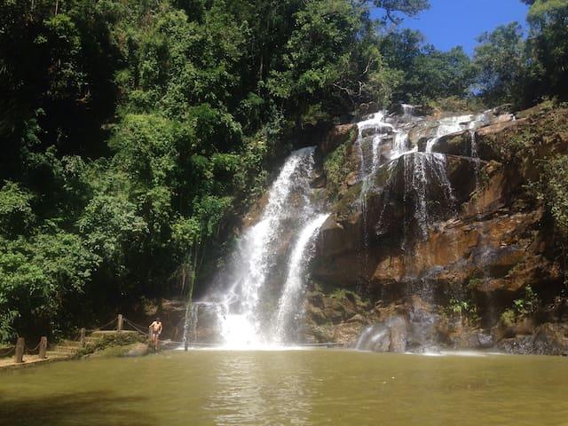 Sossego, muito verde e cachoeiras! - Rio acima