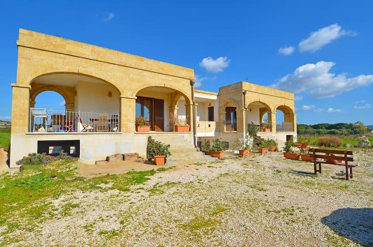 Casa Luna Pescoluse