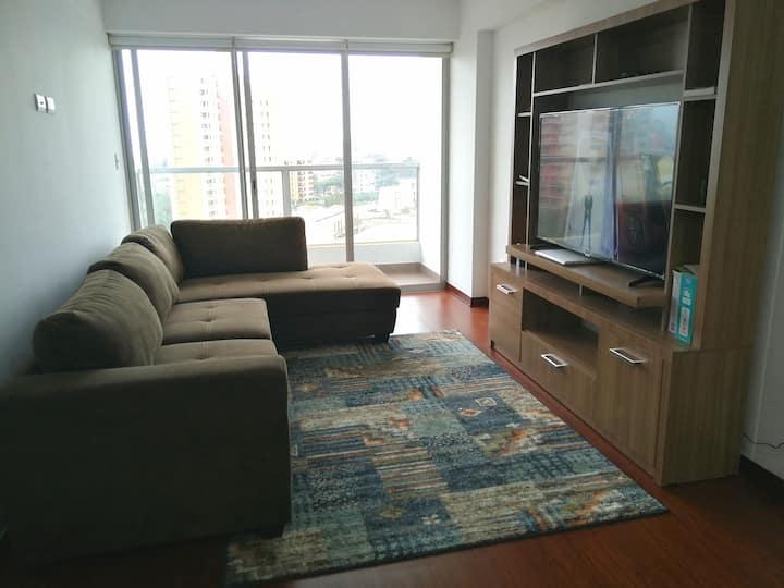 Cómoda y segura habitación en Lima