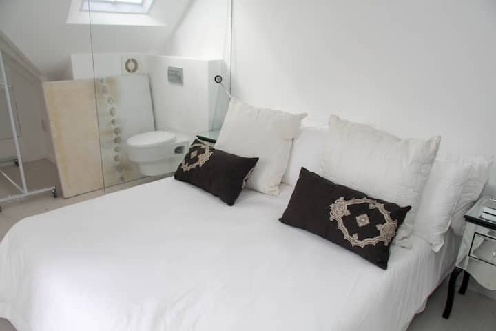 Ashby Manor Guest House - Luxury Double Room with Sea View