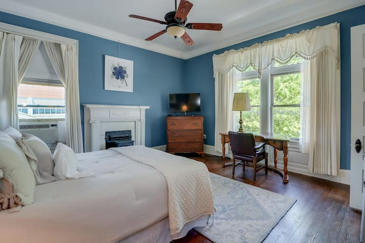Charming room in historic home