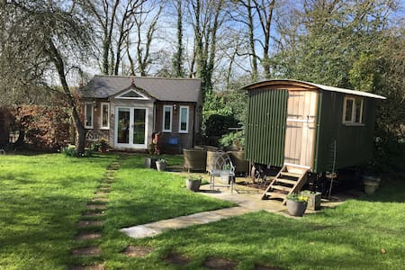 Shepherd's hut close to river self catering