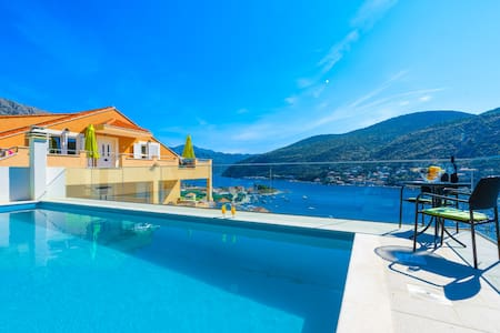 New apartment with pool - Mokošica - Pis