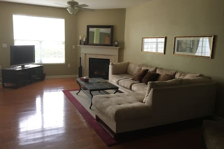 Furnished Condo in Westfield IN - Westfield