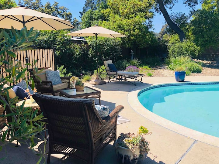 Brooke Haven with Pool, Hot Tub & Fire Side Fun.