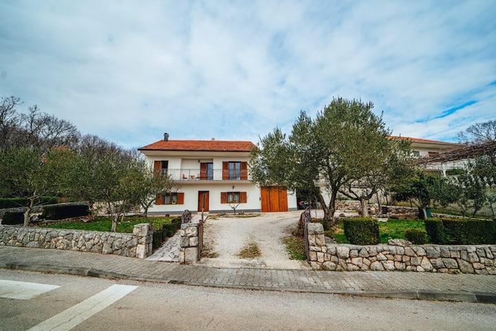 "Holiday Home "" TONE"", Makarska - Drum"