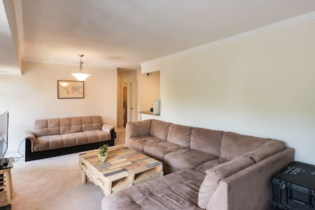 Private BR 30-minutes from DC (Metro accessible) - Vienna - Appartamento