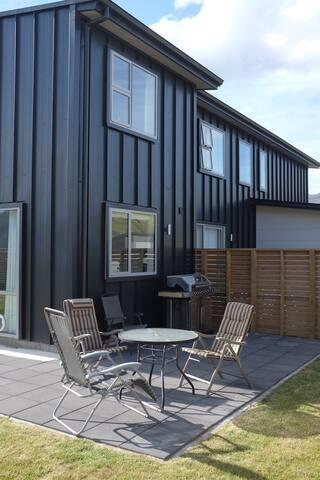 Modern 2 Bed  Apt in Family Estate - Lake Hayes Estate - Pis