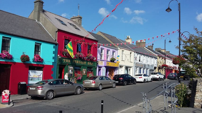 Noreen's Place Carndonagh Town Centre