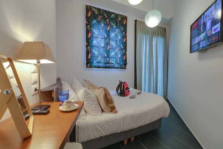 Economy double room with Veranda -AthINN Residence