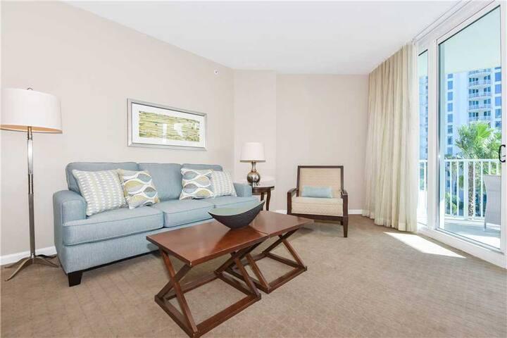 Open-concept, 2-bed resort condo w/full resort amenities!