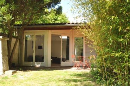 Studio de 45m2 indépendant avec jardin - Tassin-la-Demi-Lune - Hus