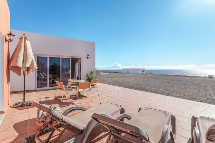 """Lovely House """"Casa Comisianes"""" with Ocean View, Terrace & Wi-Fi; Parking Available"""