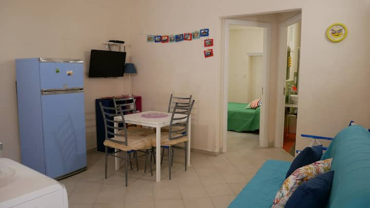 Colorato appartamentino a Lipari centro