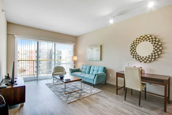 Pet friendly 2BR in the heart of Marina Del Rey