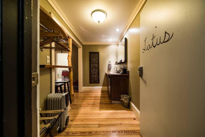 Lotus Room - The Walnut Street Inn