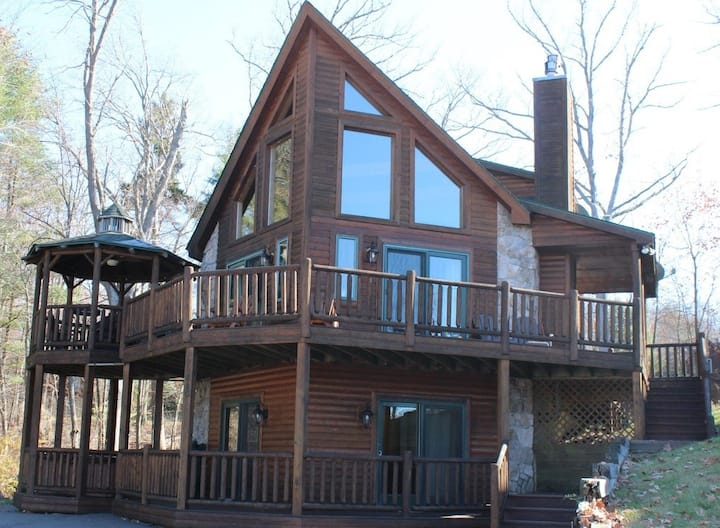 Lovin' Life Deep Creek - Luxury home w/ lake views