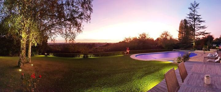 Villa de rêve, vue exceptionnelle sur Tours