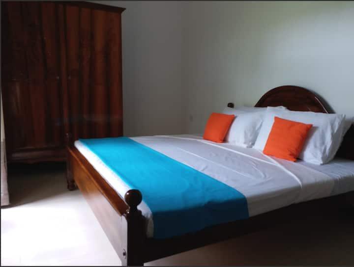 casa Vacansa Budget room with shared bath room