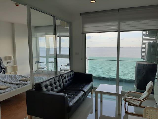 Ultimate oceanfront room