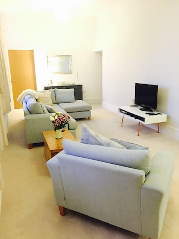 Modern 2 bed Apartment Chichester - Chichester - Lägenhet