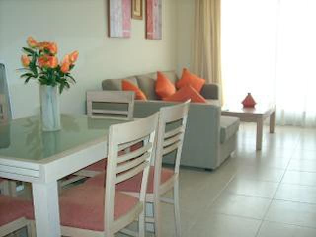 Frontline apartment on Alenda Golf Course
