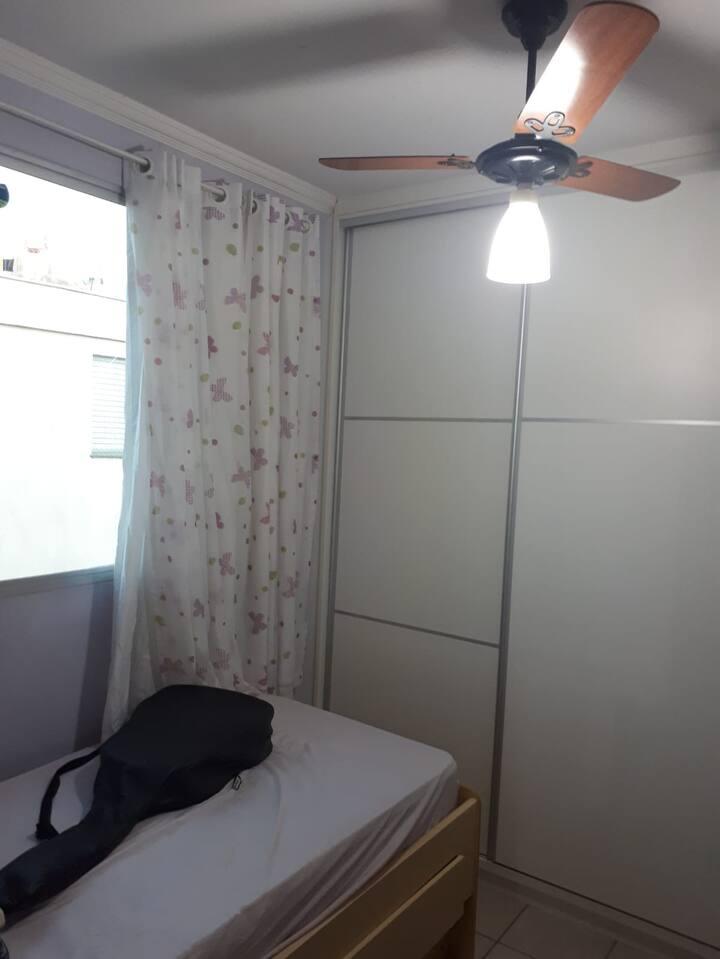 Quarto em Campinas - apartamento de família.