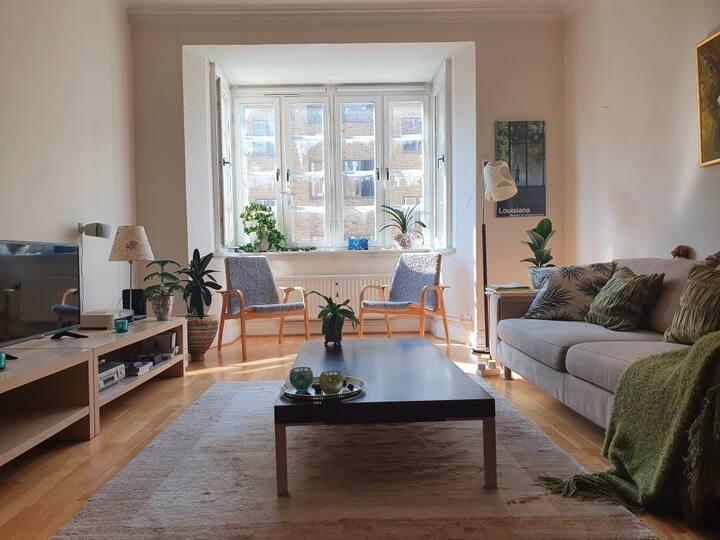 En stillfull och charmig lägenhet vid parken