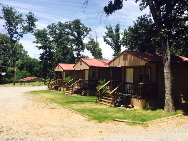Angler's Hideaway Cabins on Lake Texoma Cabin 5 - Mead - Cabana