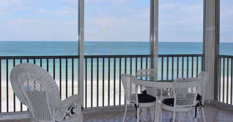 Direct Gulf front on the #1 Beach in the US - Siesta Key - Condominium