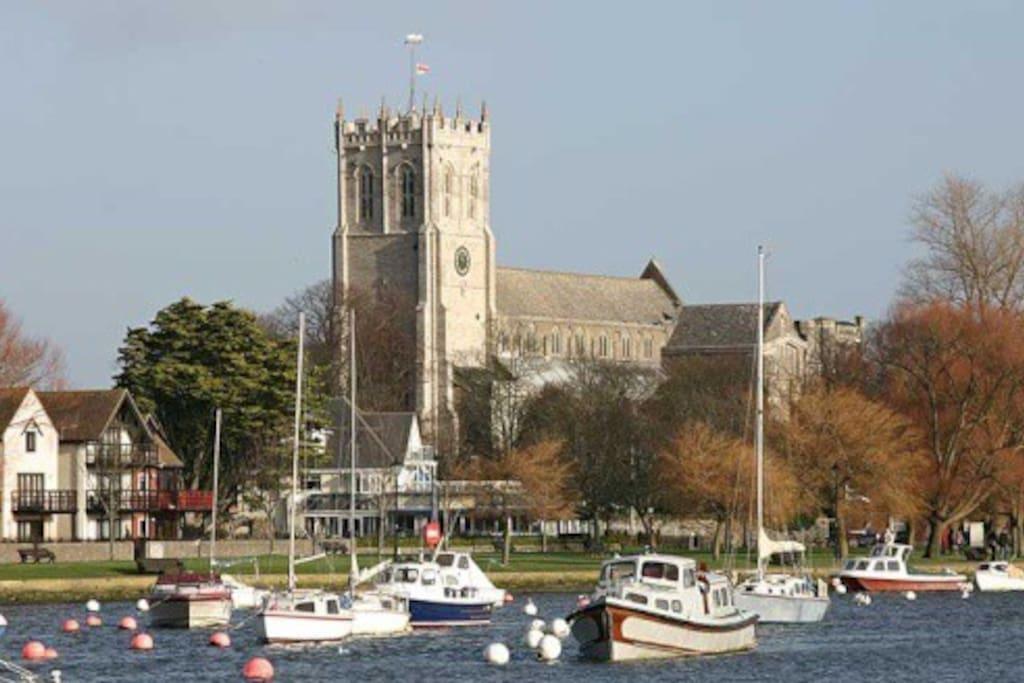 Christchurch Priory 10 min drive