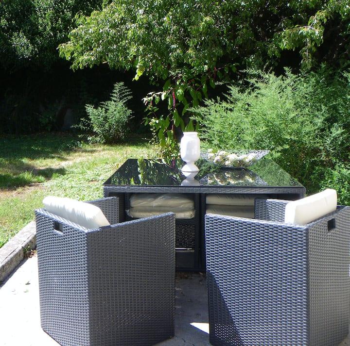 Studio dans Maison provençale avec jardin