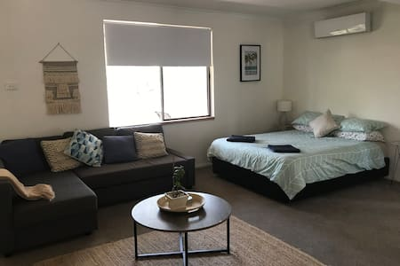 Port Stephens & Newcastle NTL Self Contained Stay